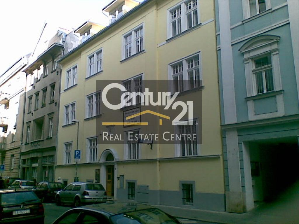 Rent, office space in a historic office building on the street Grosslingova