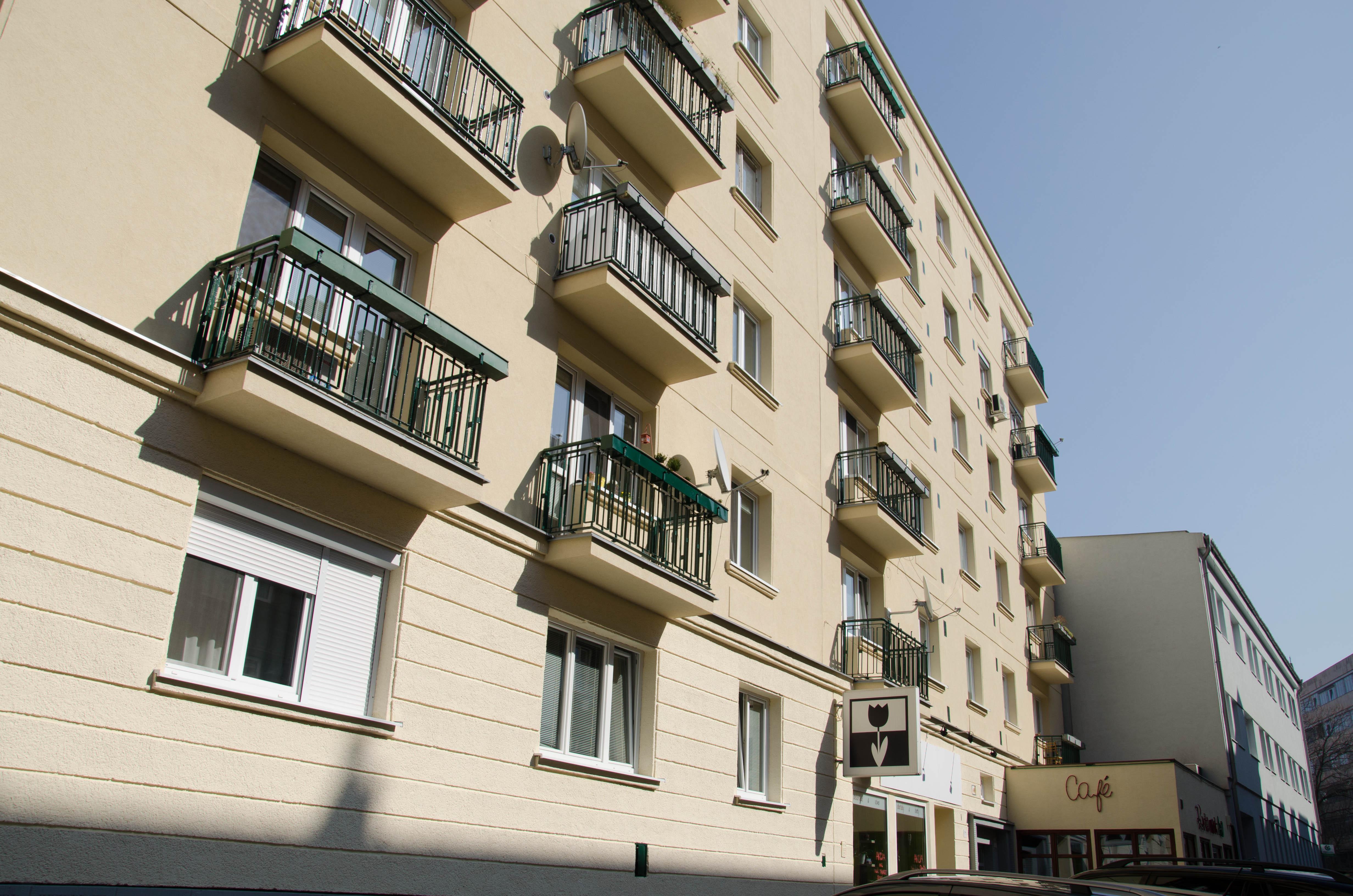 Prenájom, 1-izb. byt, V CENTRE MESTA, BIZNIS APARTMÁN, oddelená kuchyňa, 50 m2