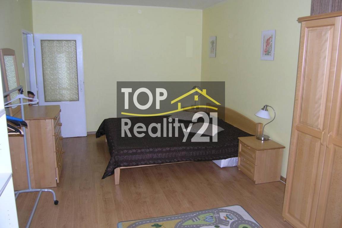Prenájom, 2 izb. byt, Rekonštrukcia komplet, NEPRIECHODNE IZBY, Ružinov,  60m2