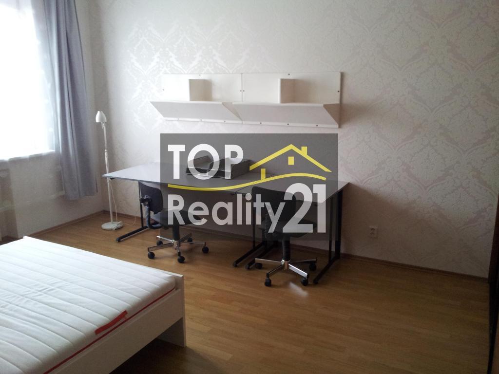 For rent, 2-bedroom apartment, Bratislava- center, 2 separate rooms, 70 m2.